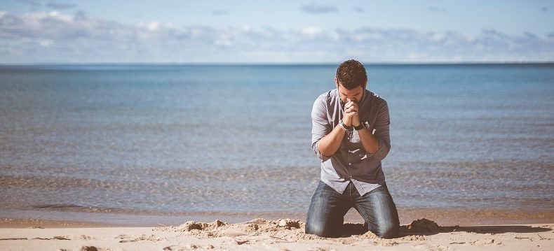 fraser watts beach pray